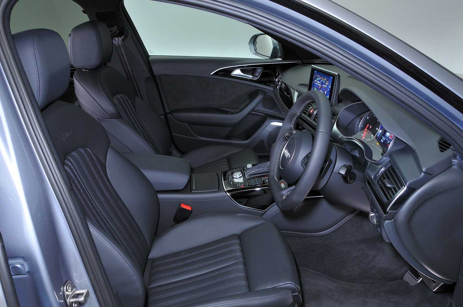Audi A6 2011-2018 front seats