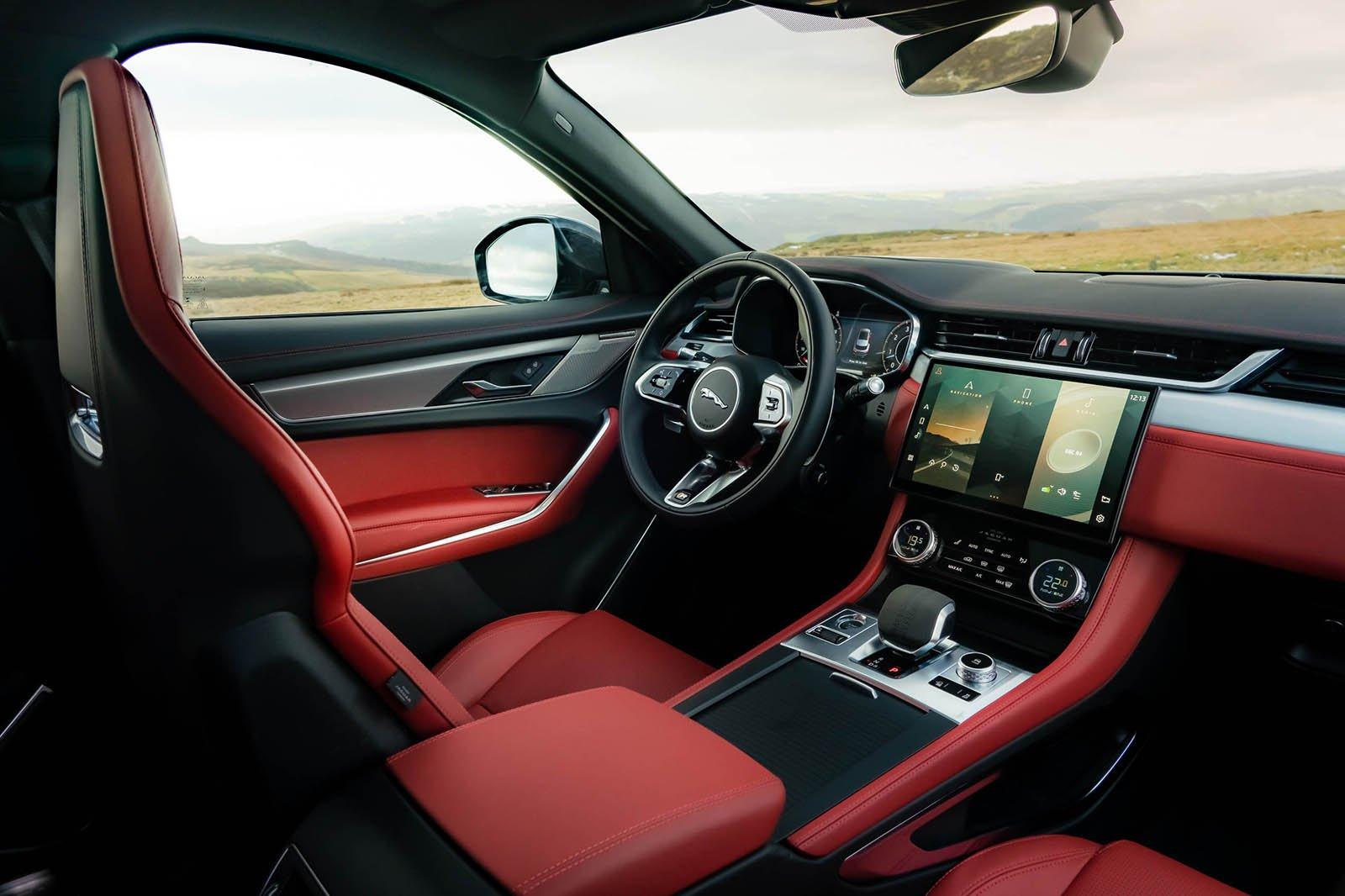 Jaguar F-Pace 2021 dashboard LHD