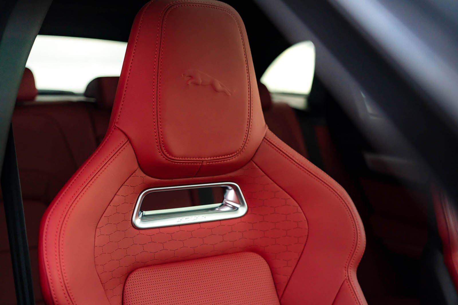 Jaguar F-Pace 2021 seat detail