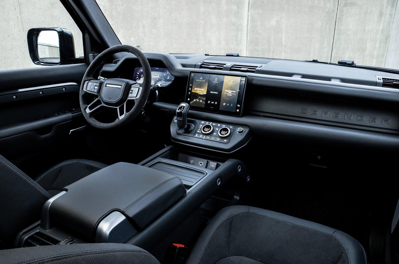Land Rover Defender V8 dashboard