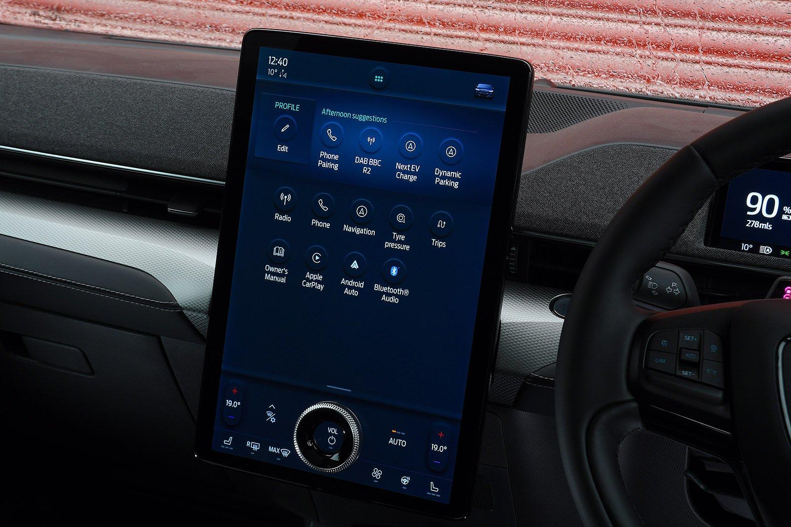 Ford Mustang Mach-E RWD 2021 infotainment screen