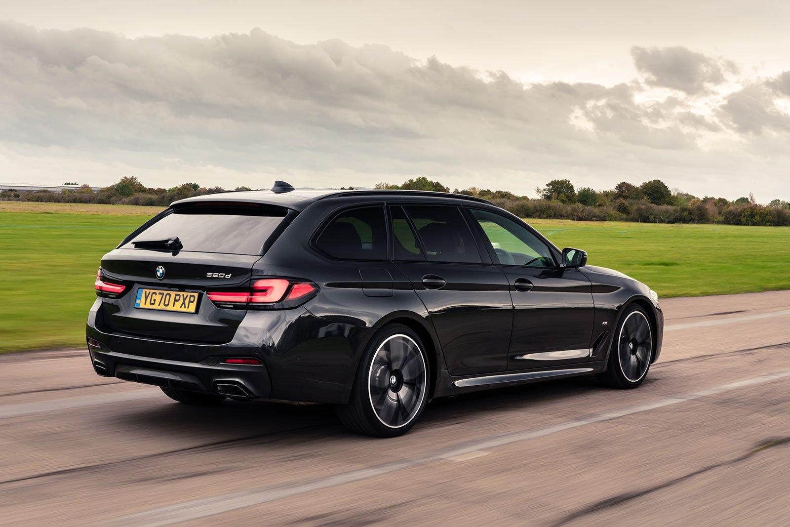 BMW 5 Series Touring 2021 rear tracking