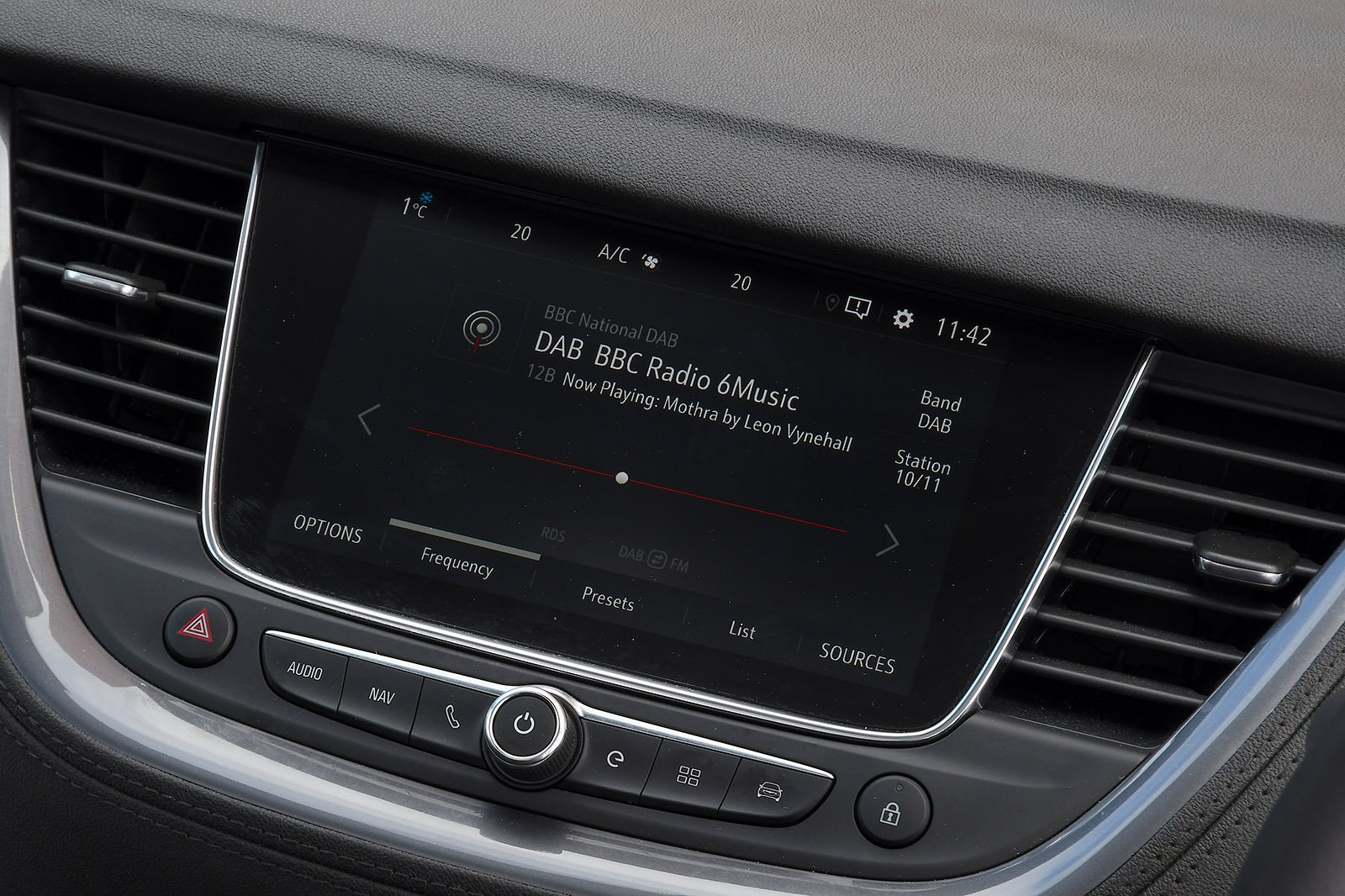 Vauxhall Grandland X 2021 infotainment