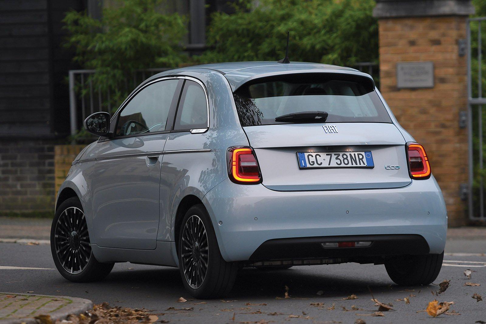 Fiat 500 2021 LHD rear tracking