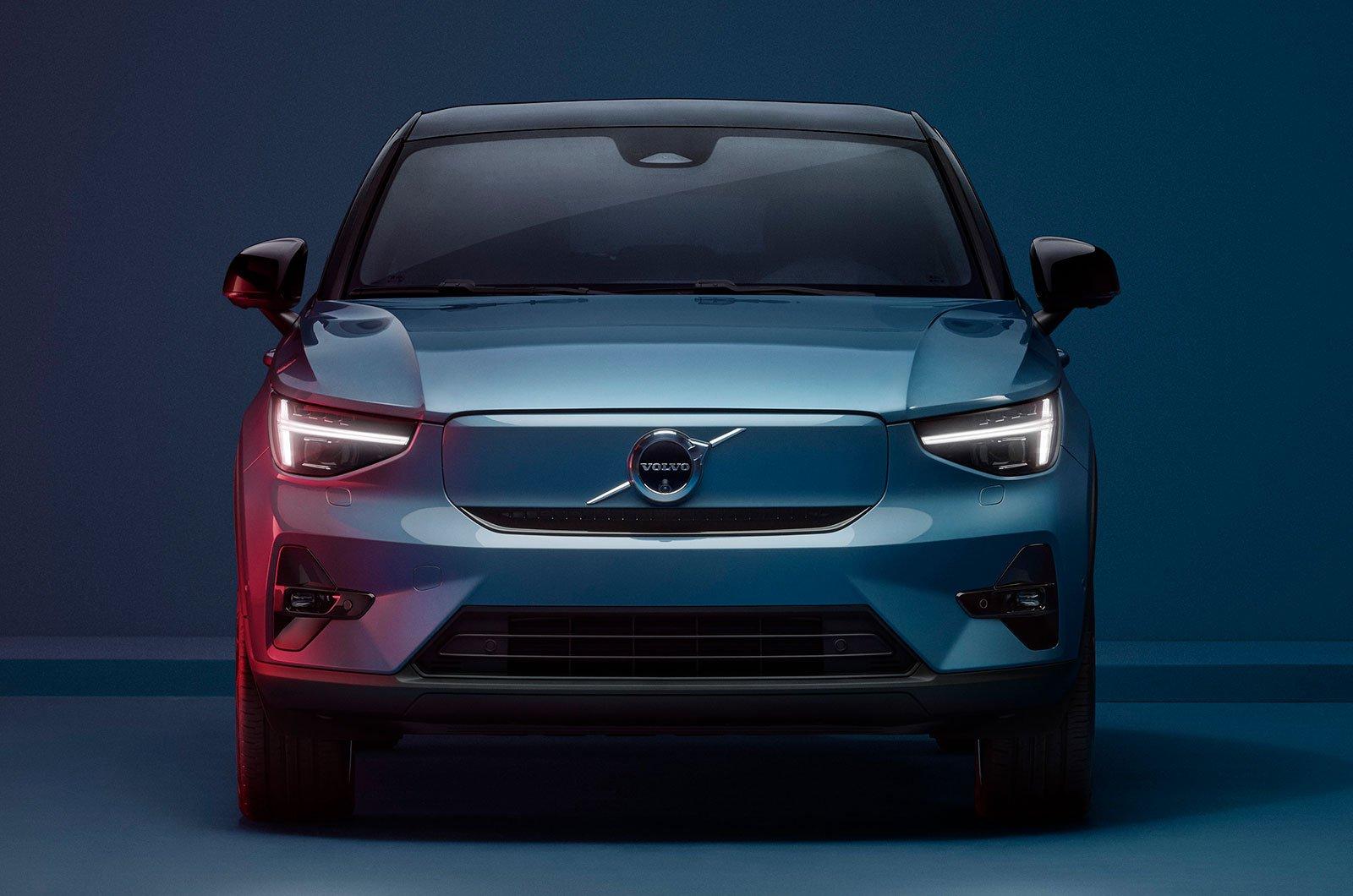 2022 Volvo C40 front