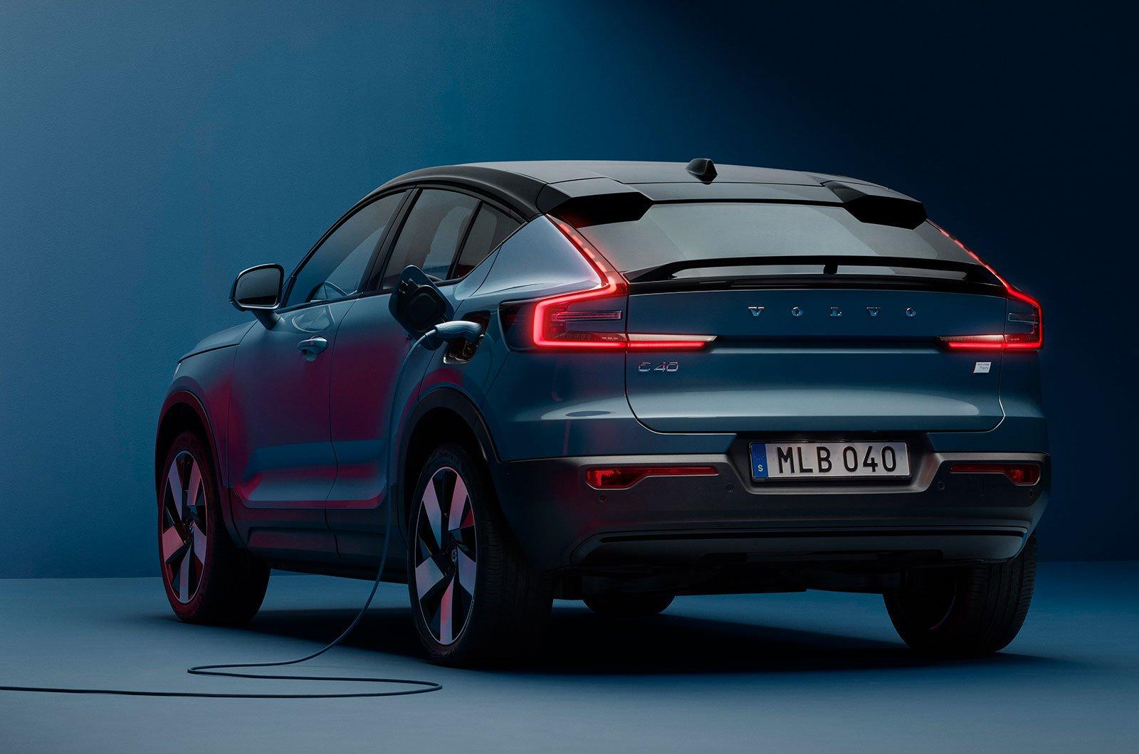 2022 Volvo C40 rear