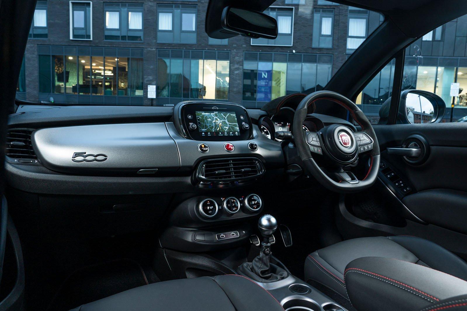 Fiat 500X 2021 dashboard