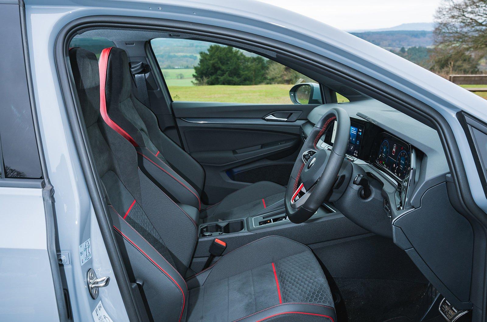 Volkswagen Golf GTI Clubsport front seats