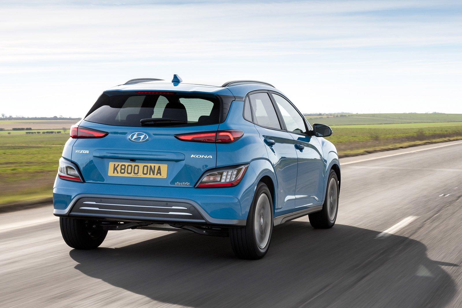 Hyundai Kona Electric 2021 rear tracking