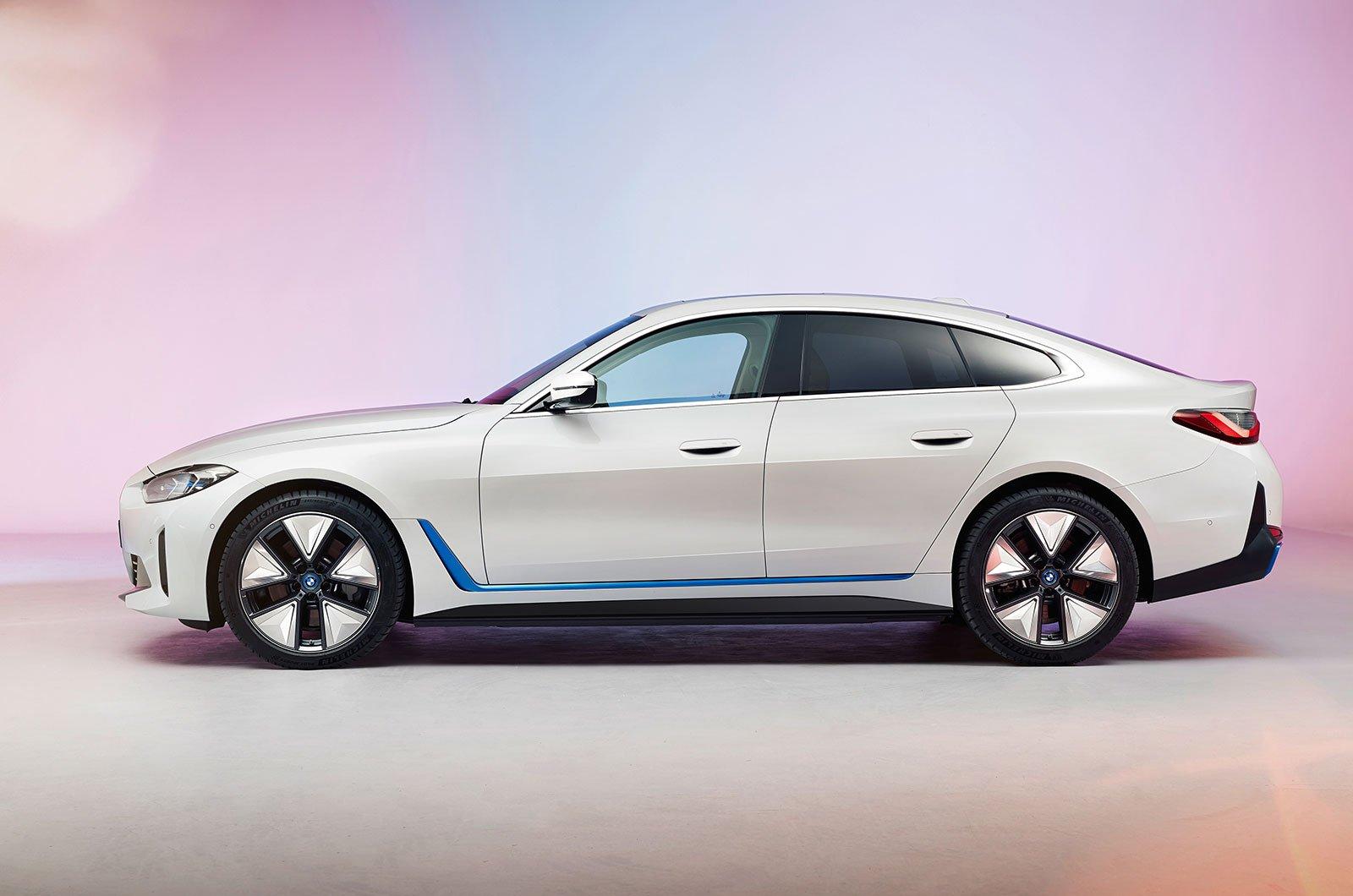 2021 BMW i4 side