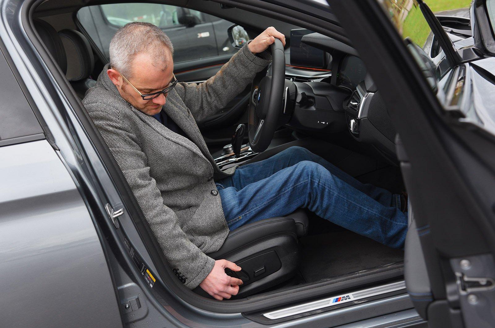 LT BMW 530e adjusting seat