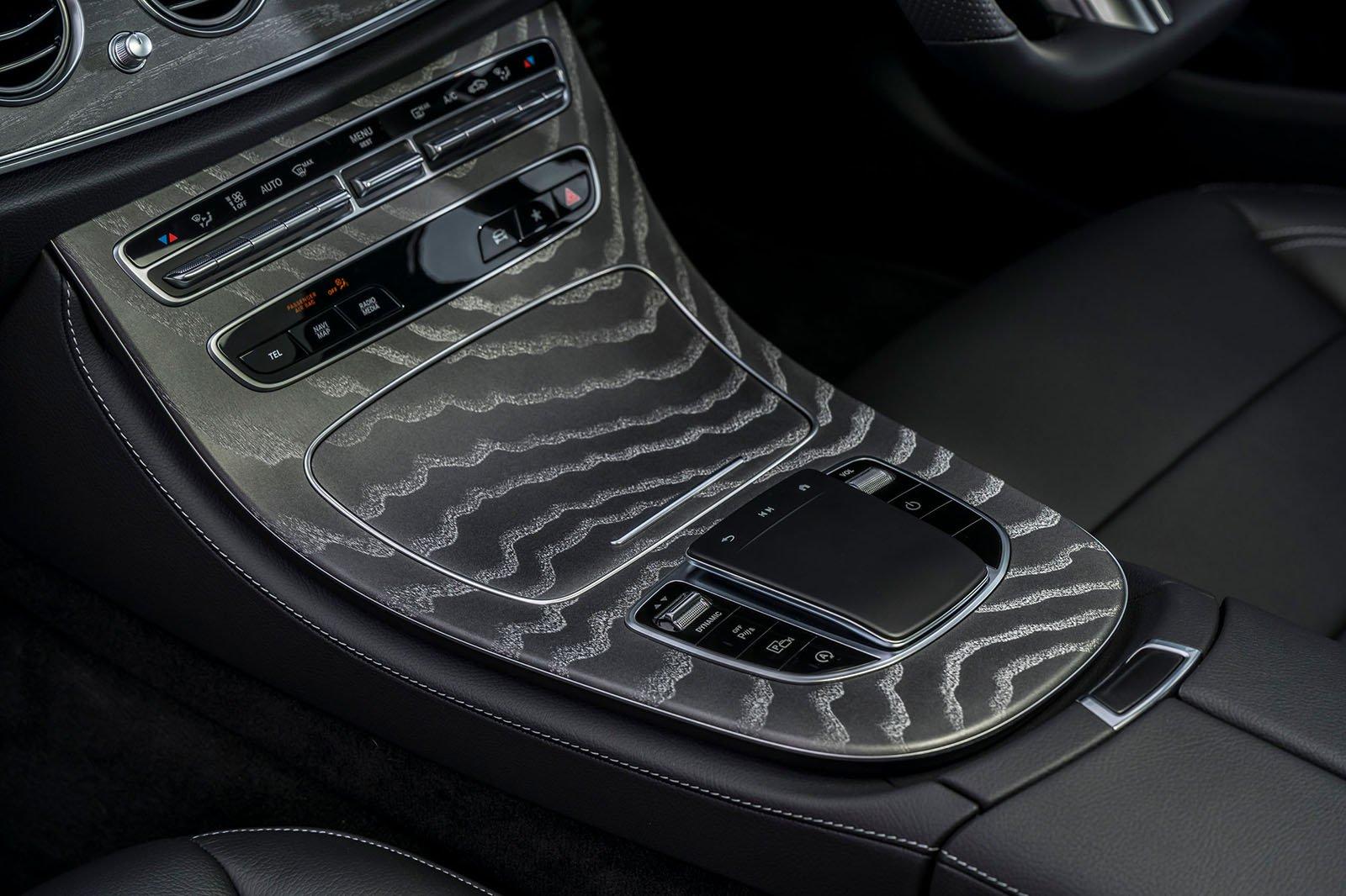 Mercedes E-Class 2021 infotainment controls