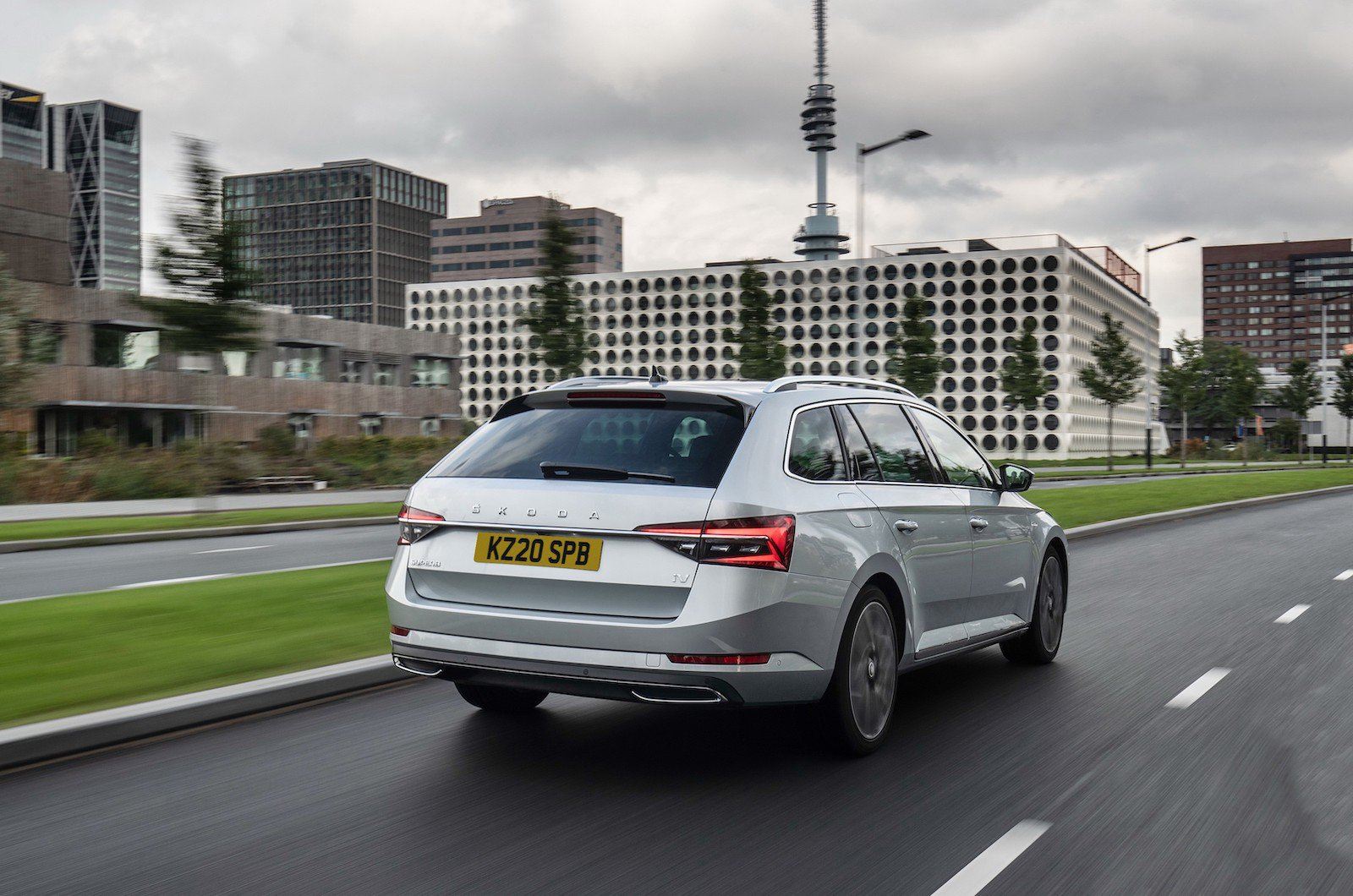 Clever packaging means you get an impressive 450 litres as standard in the Octavia iV hatchback, all the way up to 1,800 litres in the Superb iV estate