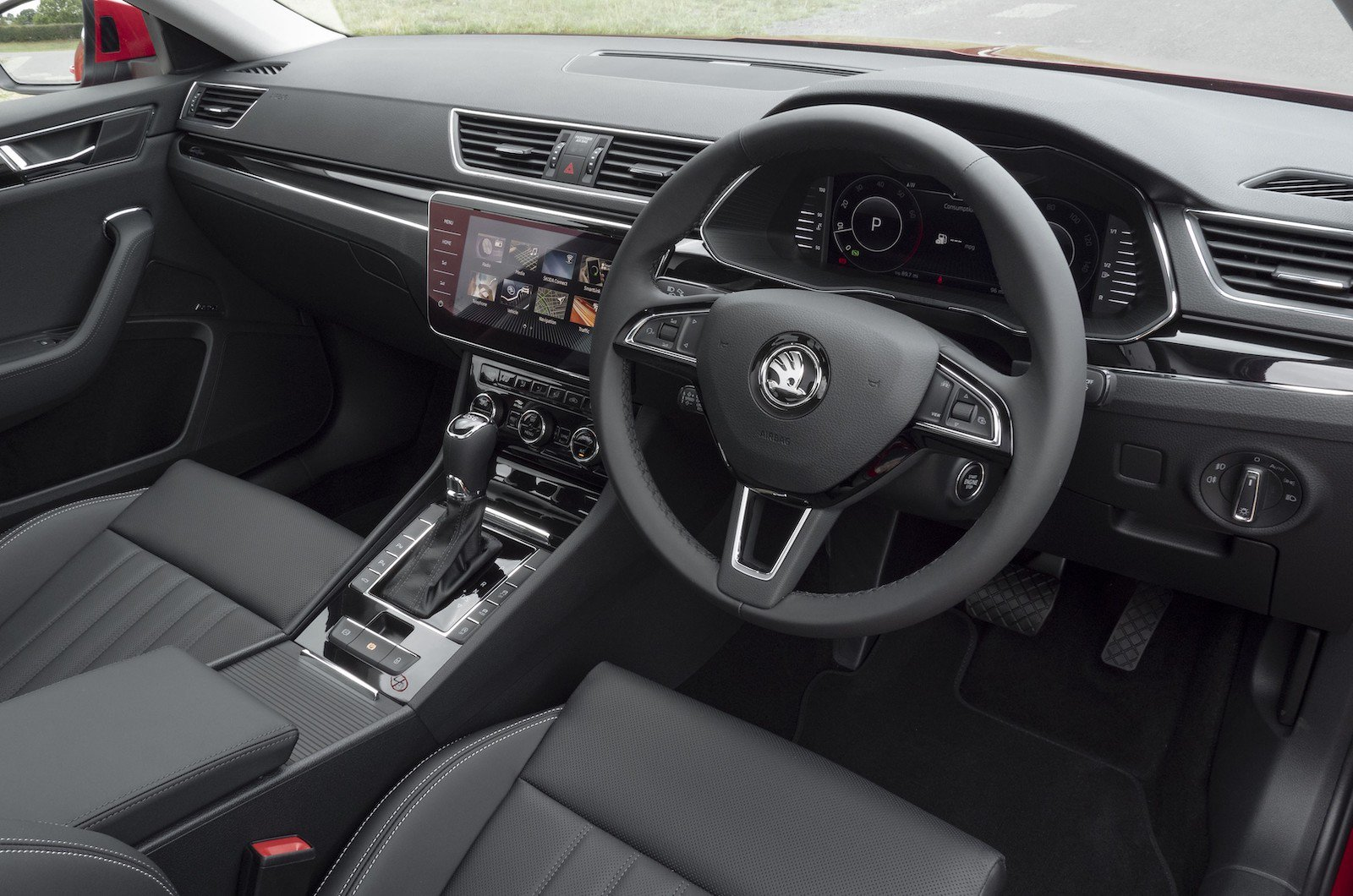 Using the Skoda Connect in-car sat-nav, you can easily find the perfect charger near you. Equally, you can use the Skoda Connect smartphone app to remotely track your charging.