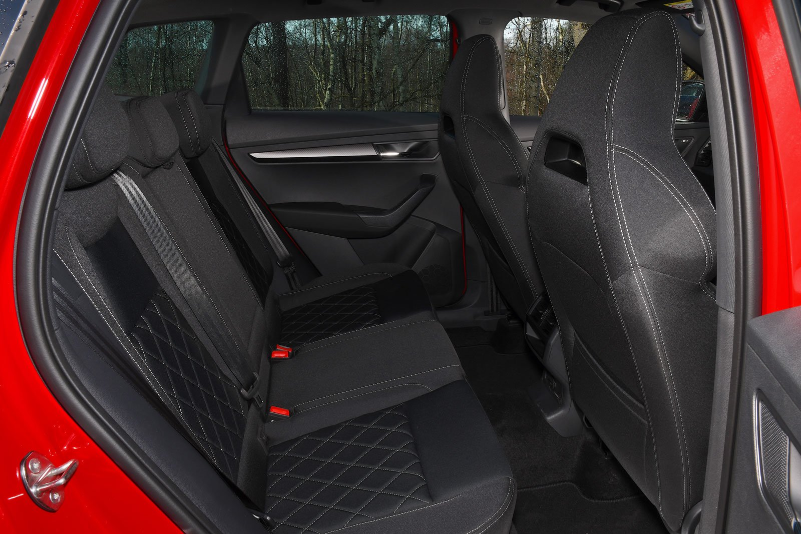 Skoda Karoq 2021 rear seats