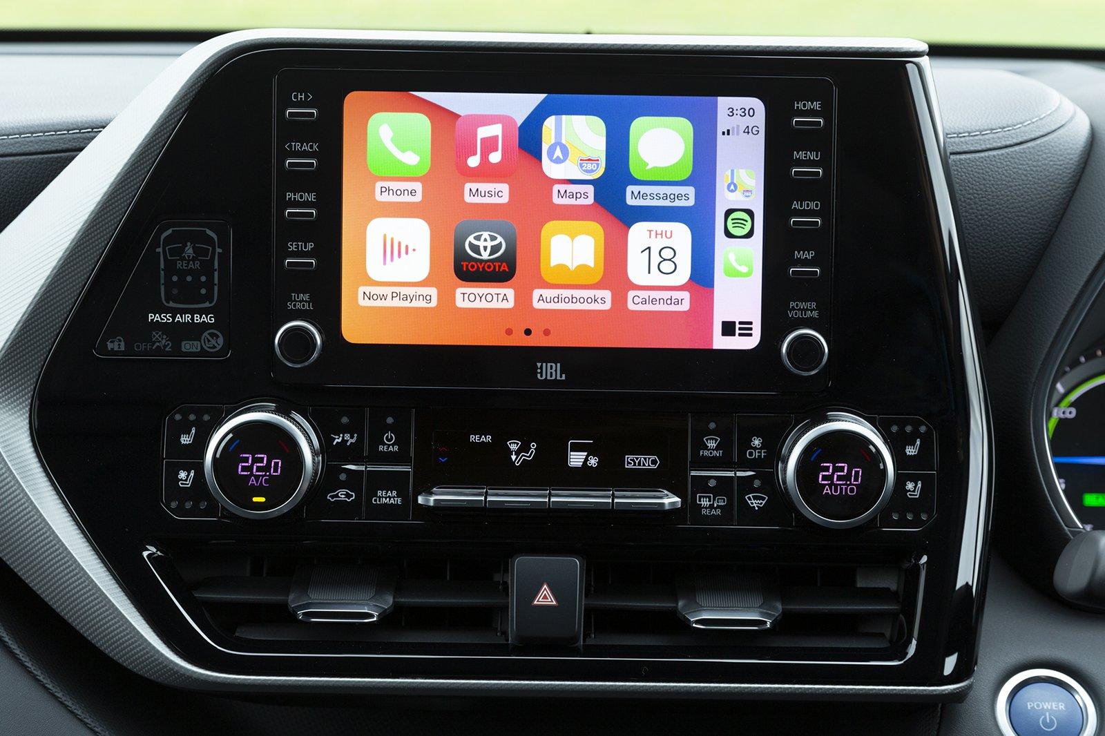 Toyota Highlander 2021 infotainment