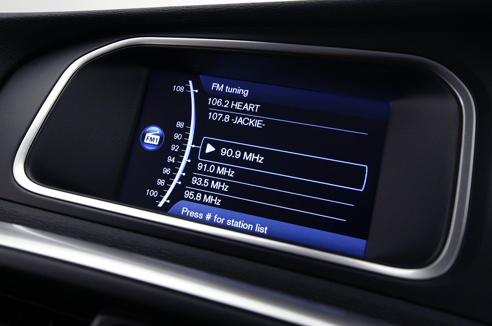 Volvo V40 2012-2019 infotainment
