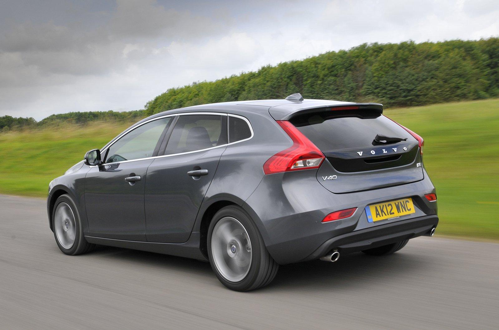 Volvo V40 2012-2019 rear corner