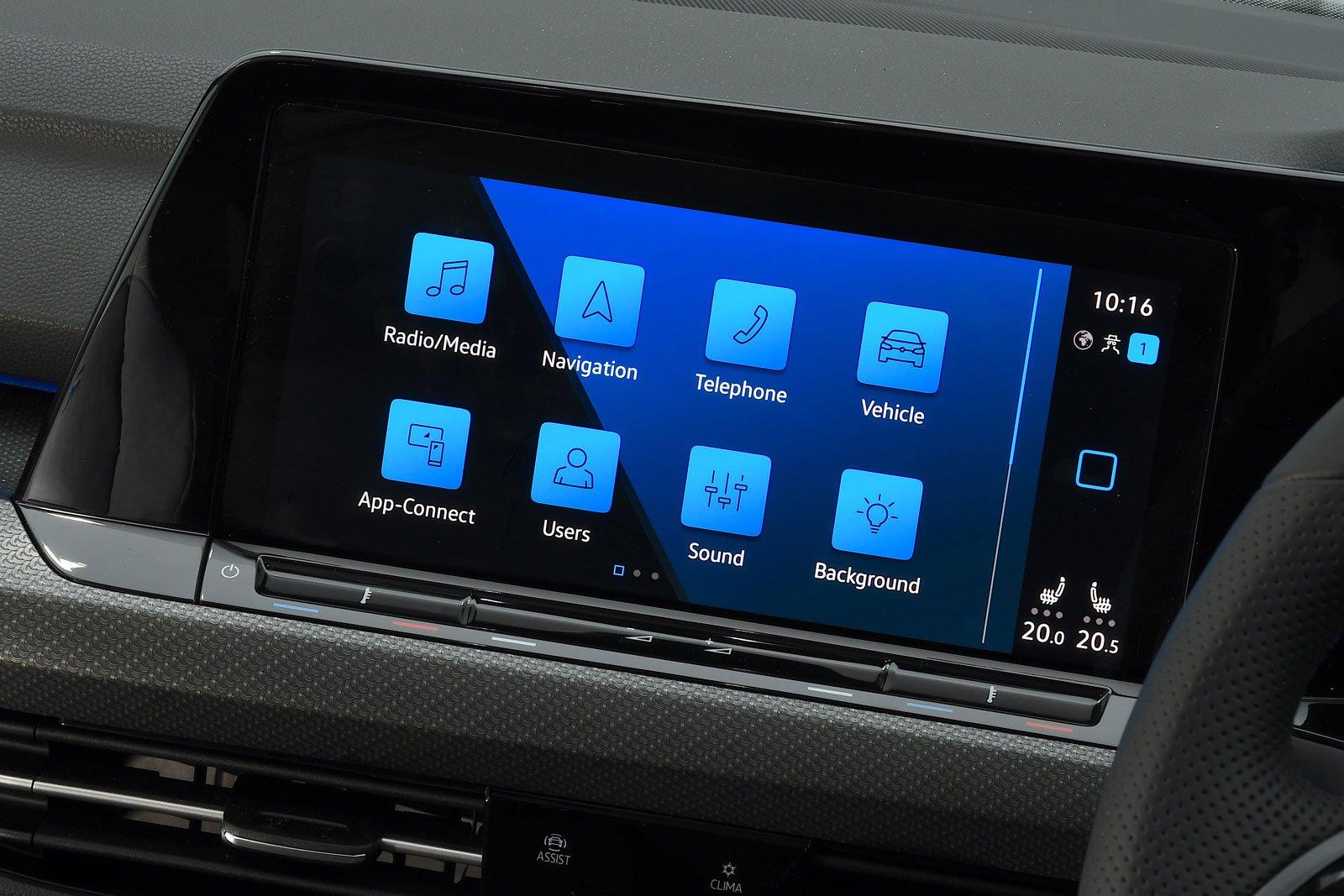Volkswagen Golf R 2021 infotainment