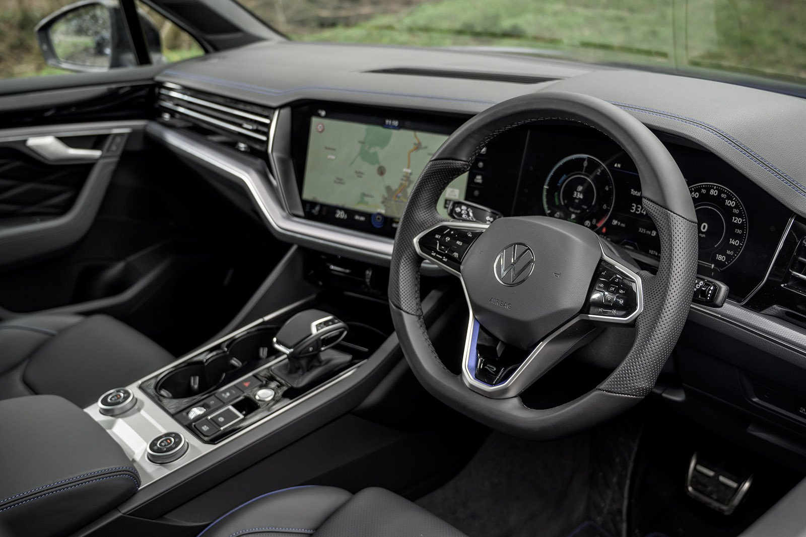 Volkswagen Touareg R 2021 RHD interior