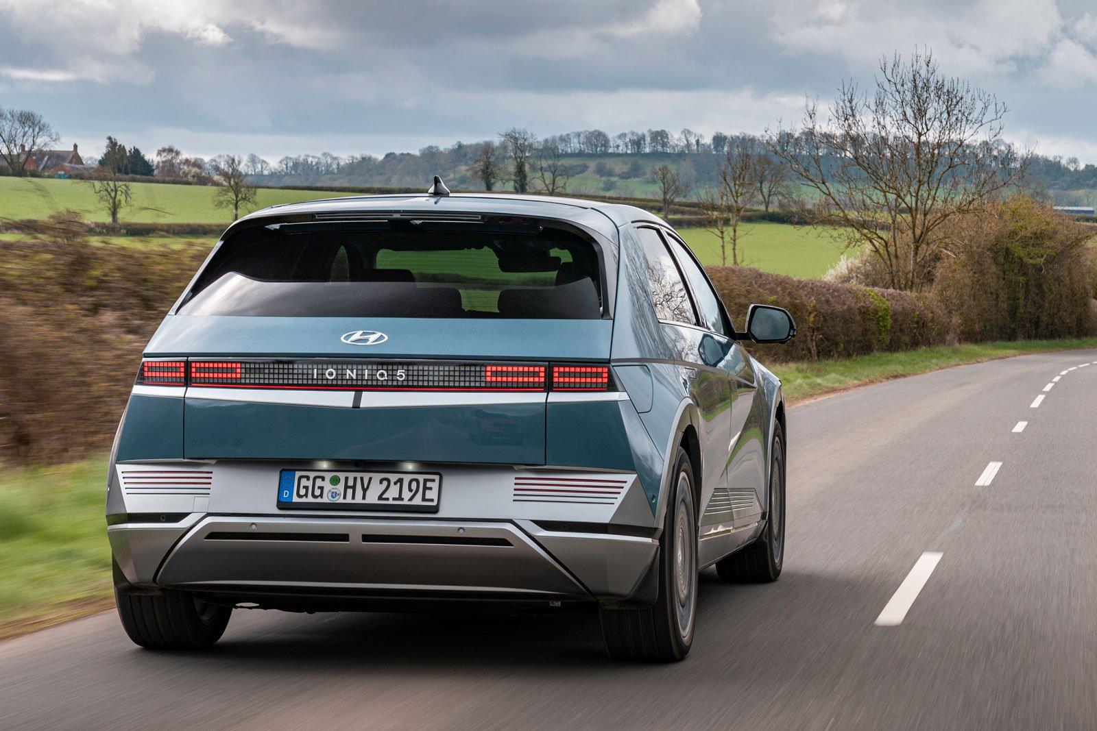 Hyundai Ioniq 5 2021 rear tracking