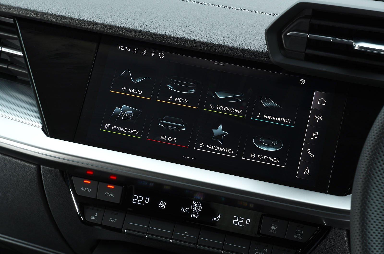 Audi A3 40 TFSIe 2021 touchscreen