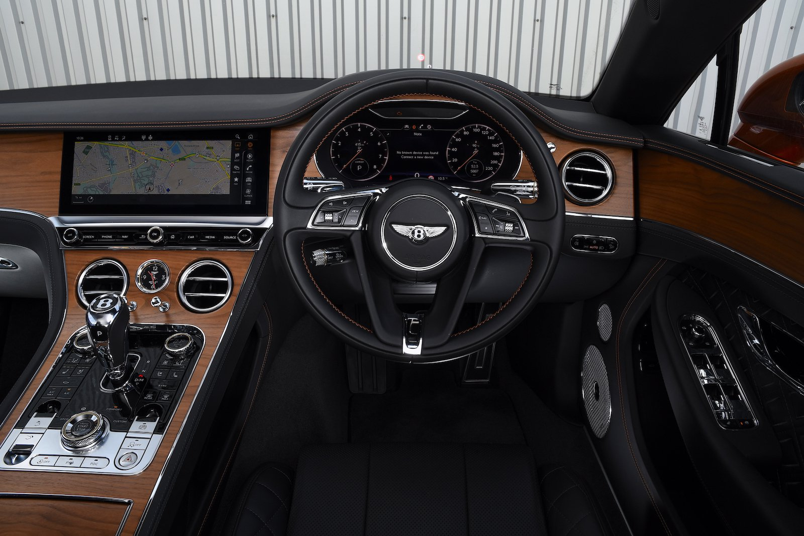 Bentley Continental GT 2021 interior dashboard