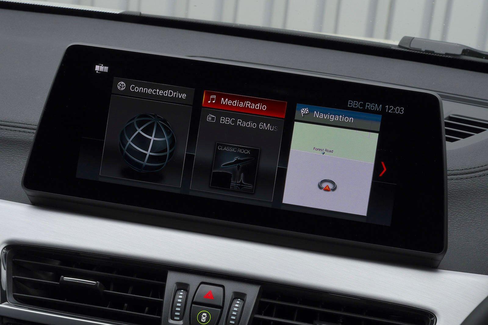 BMW X1 2021 interior infotainment