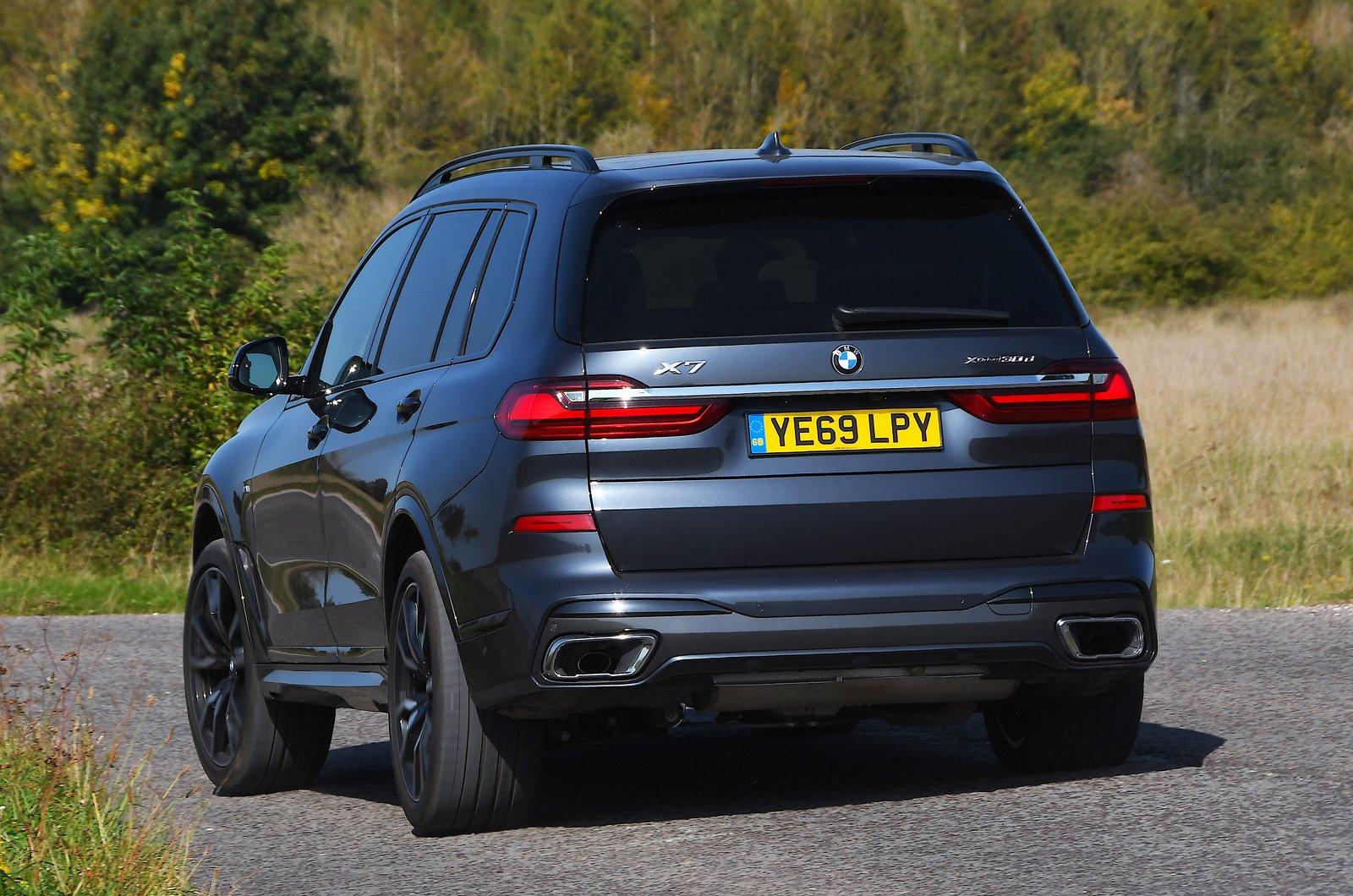 BMW X7 2021 rear
