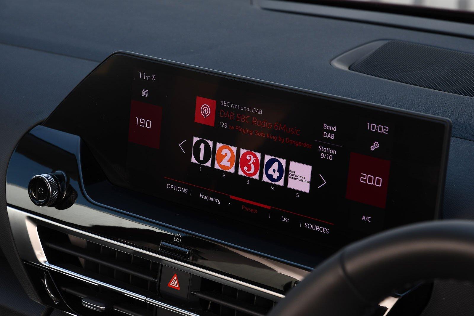 Citroën C4 2021 interior infotainment