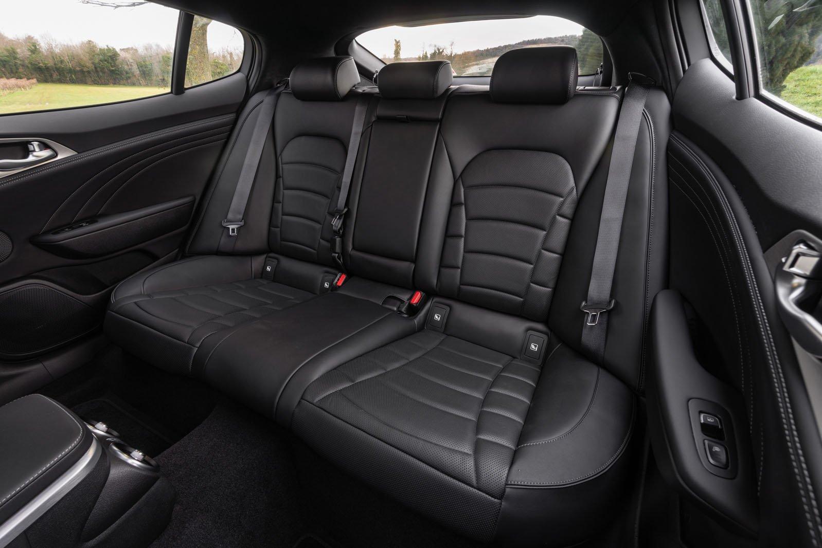 Kia Stinger 2021 rear seats