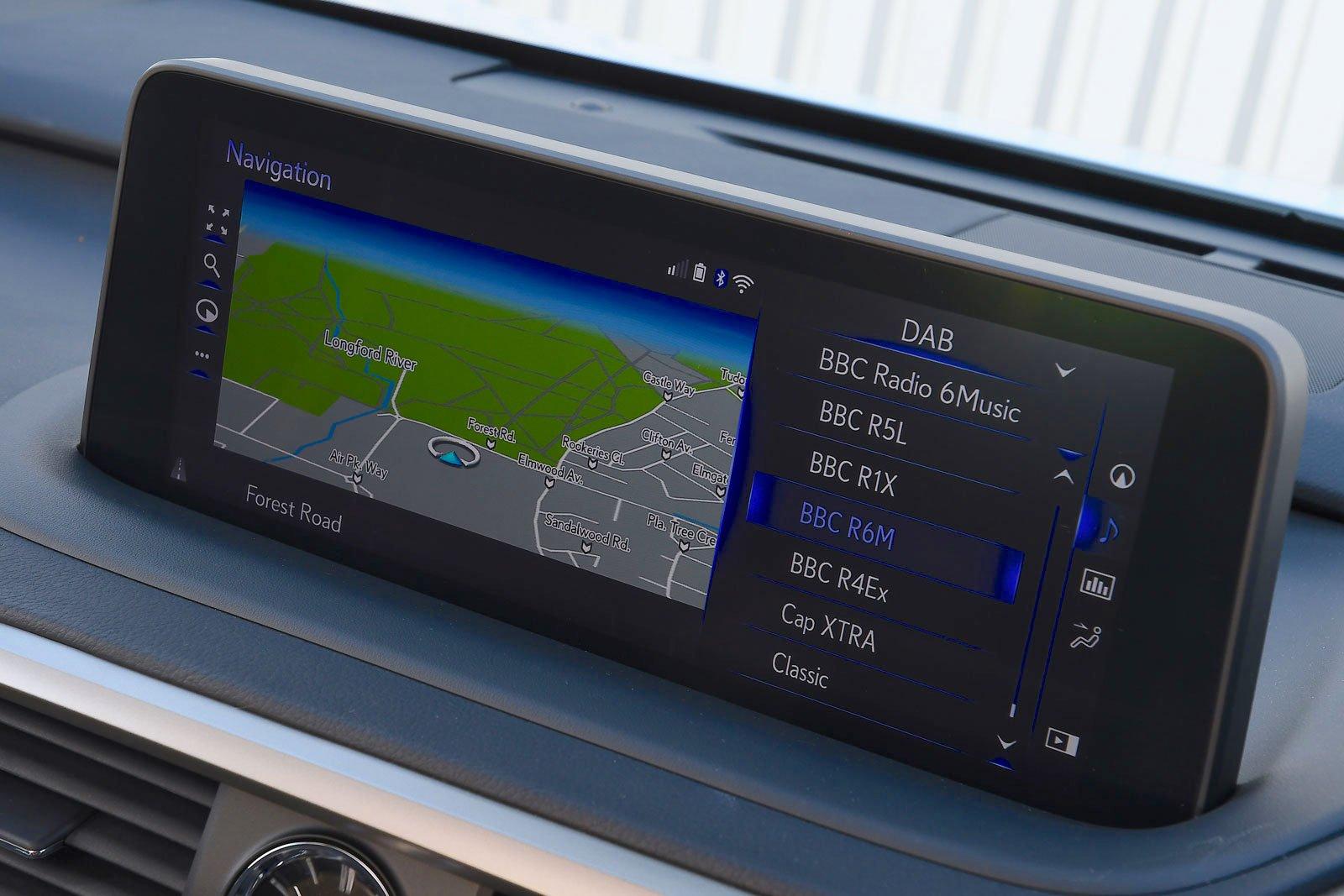 Lexus RX450h 2021 interior infotainment