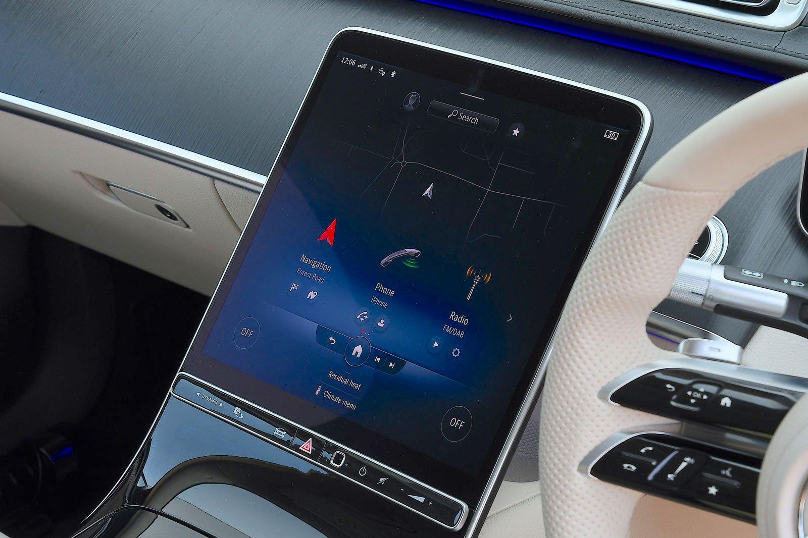 Mercedes S-Class 2021 interior infotainment