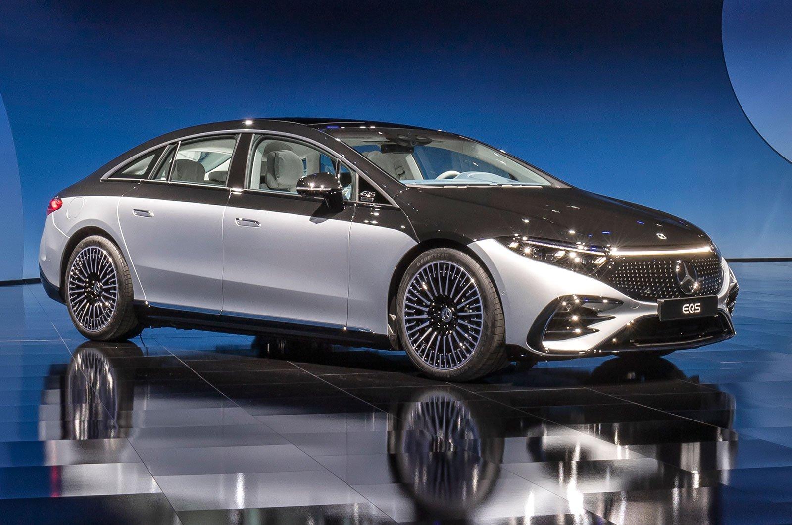 2021 Mercedes EQS front