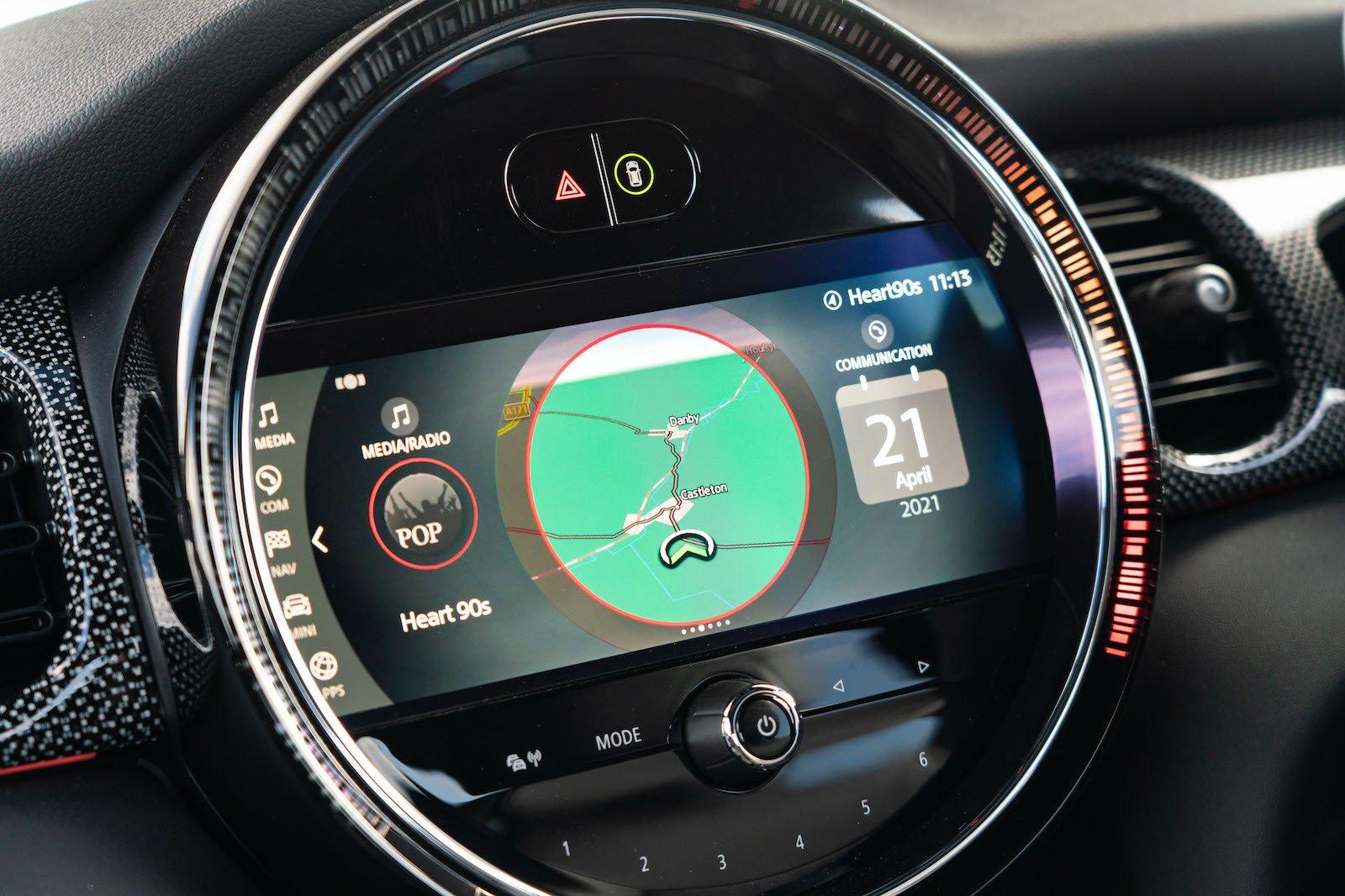 2021 Mini Cooper S infotainment