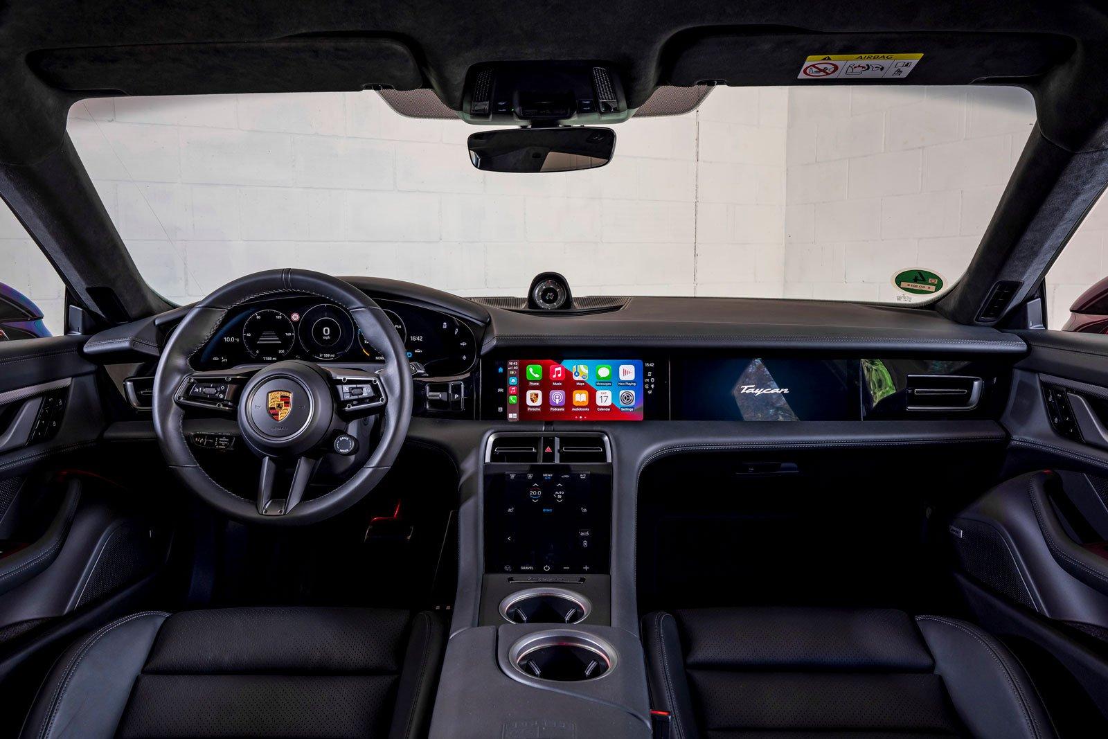 Porsche Taycan Cross Turismo 2021 interior dashboard