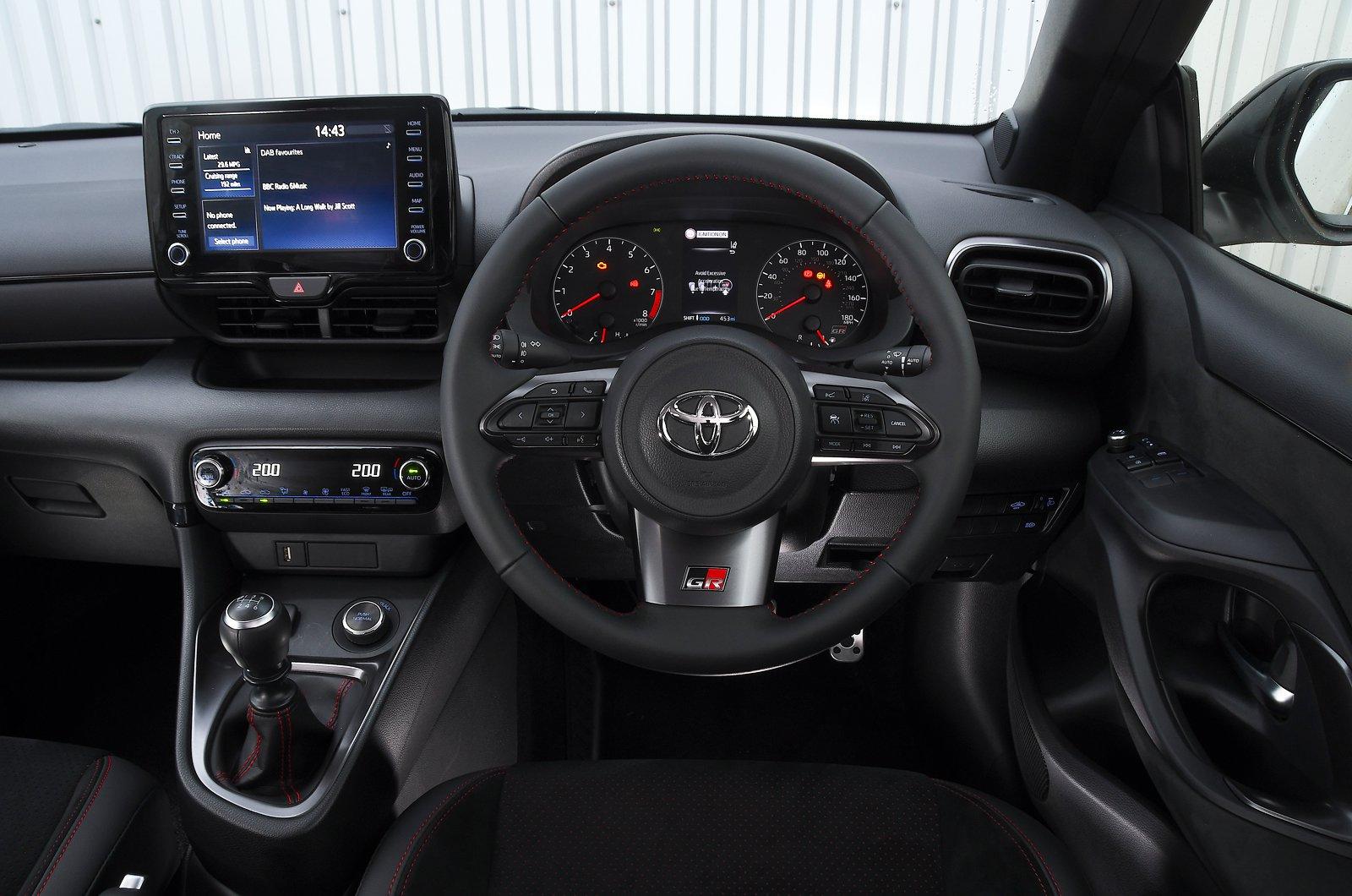 Painel Toyota GR Yaris 2021