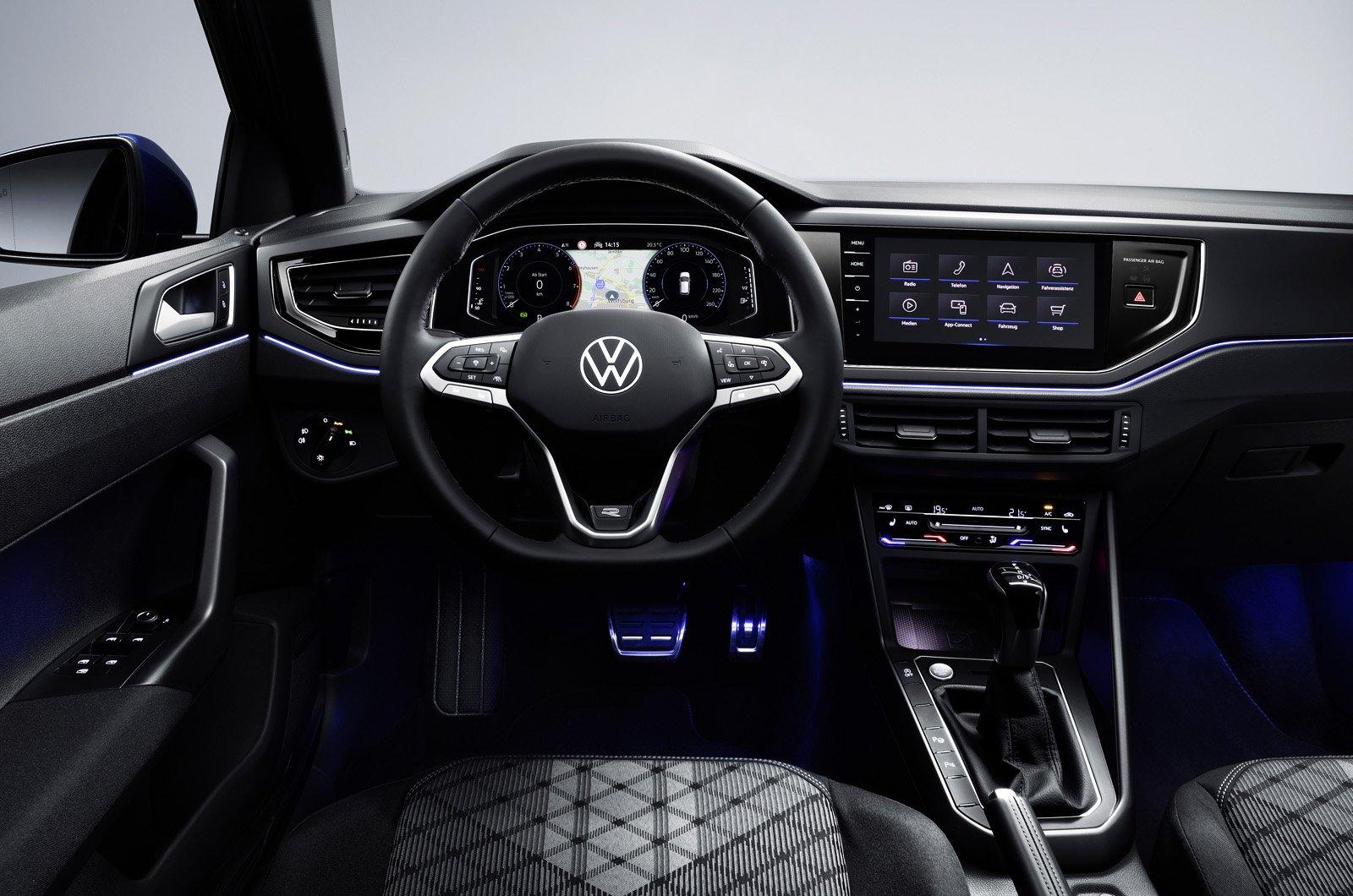 Volkswagen Polo 2021 dashboard