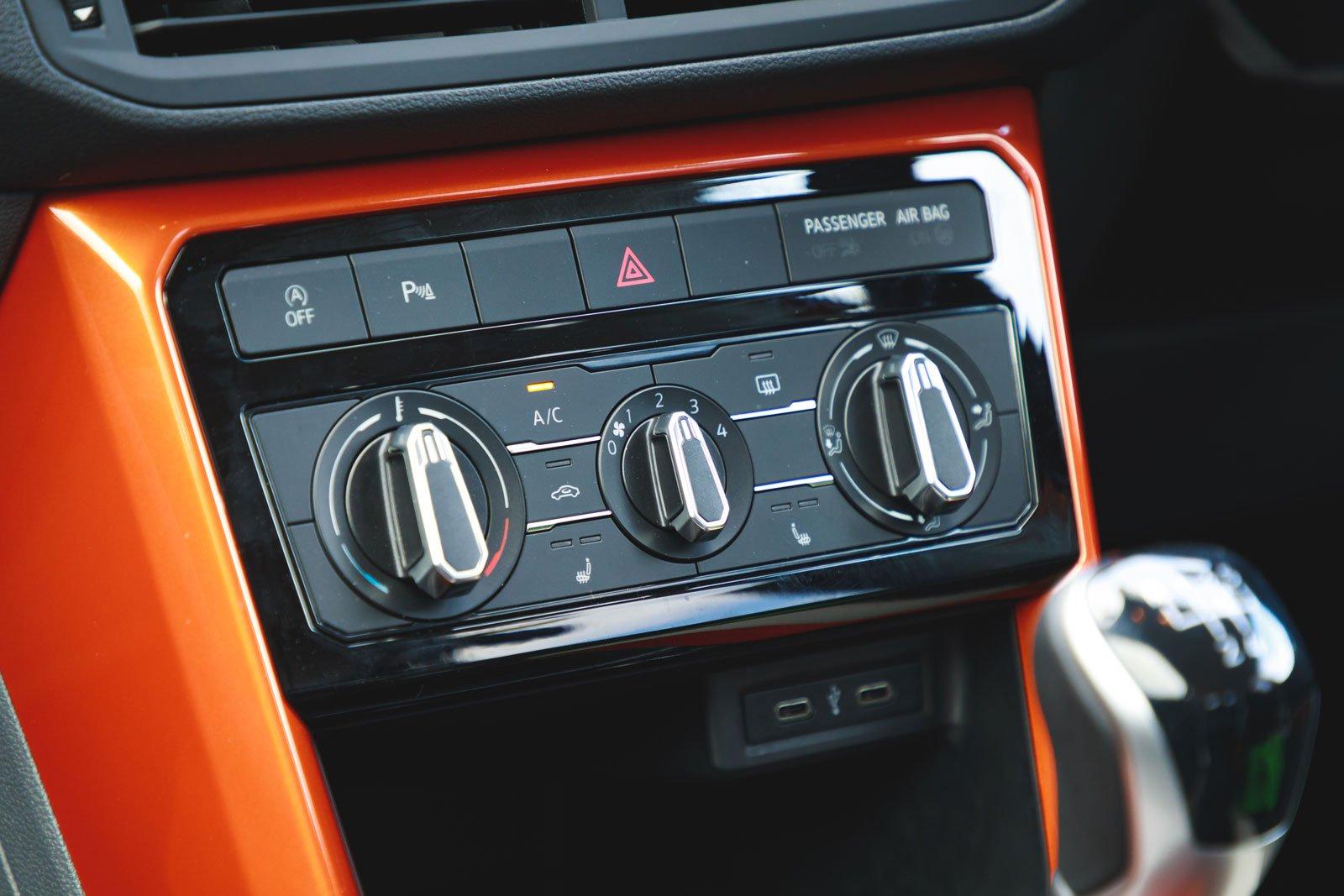 Volkswagen T-Cross 2021 interior detail
