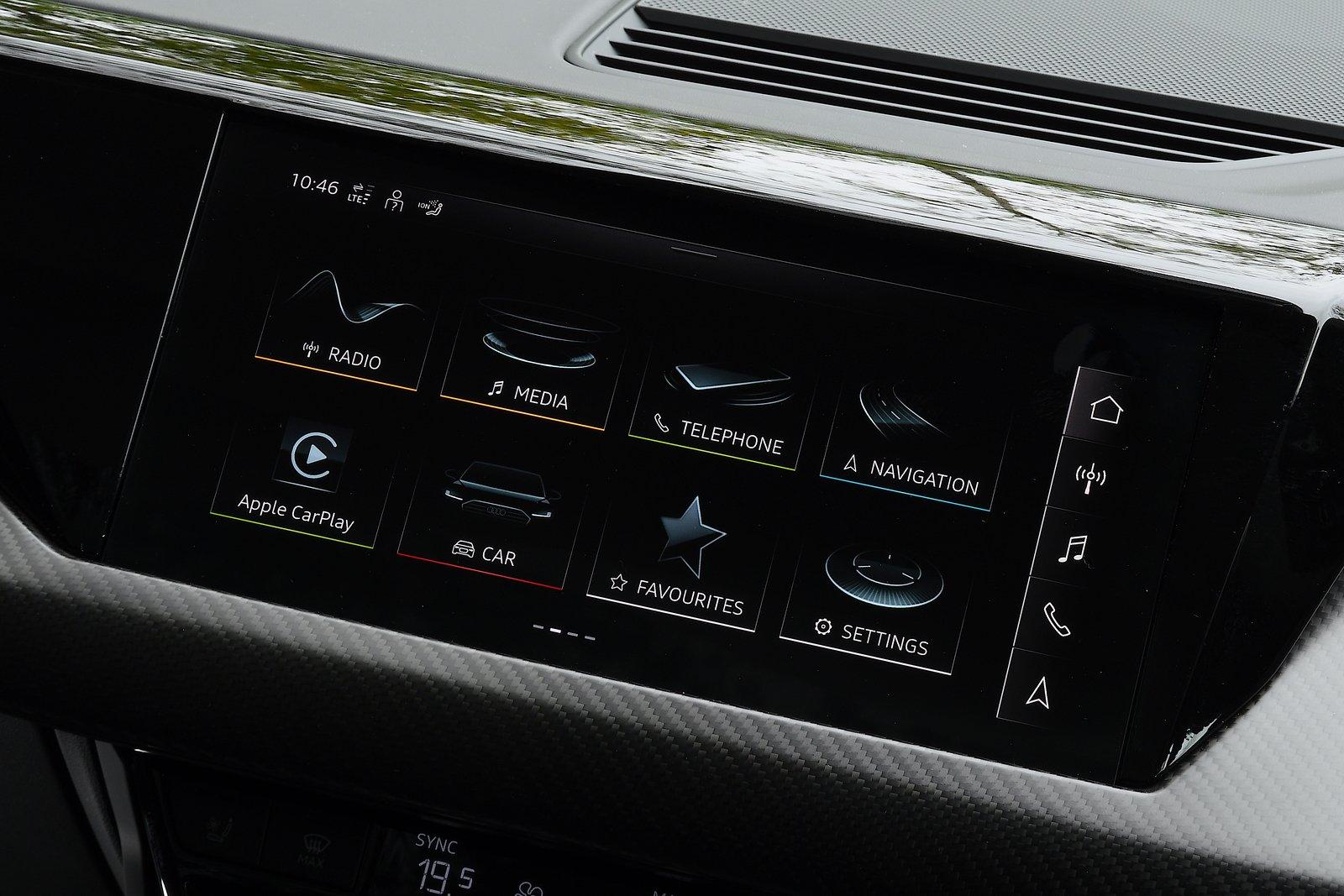 Audi e-tron GT 2021 interior infotainment