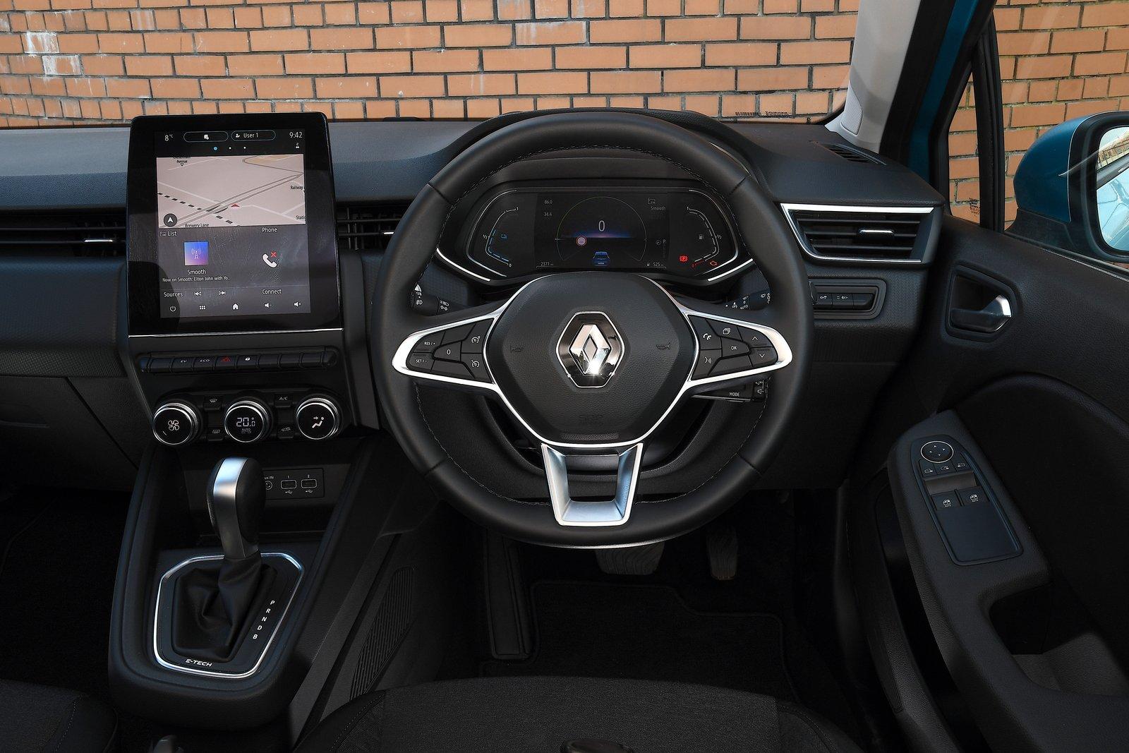 Renault Clio 2021 interior dashboard