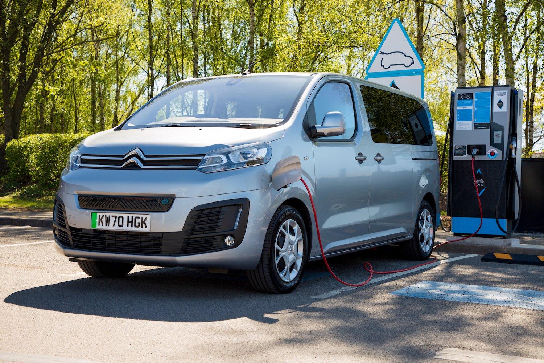 Citroën e-Spacetourer 2021 front left static