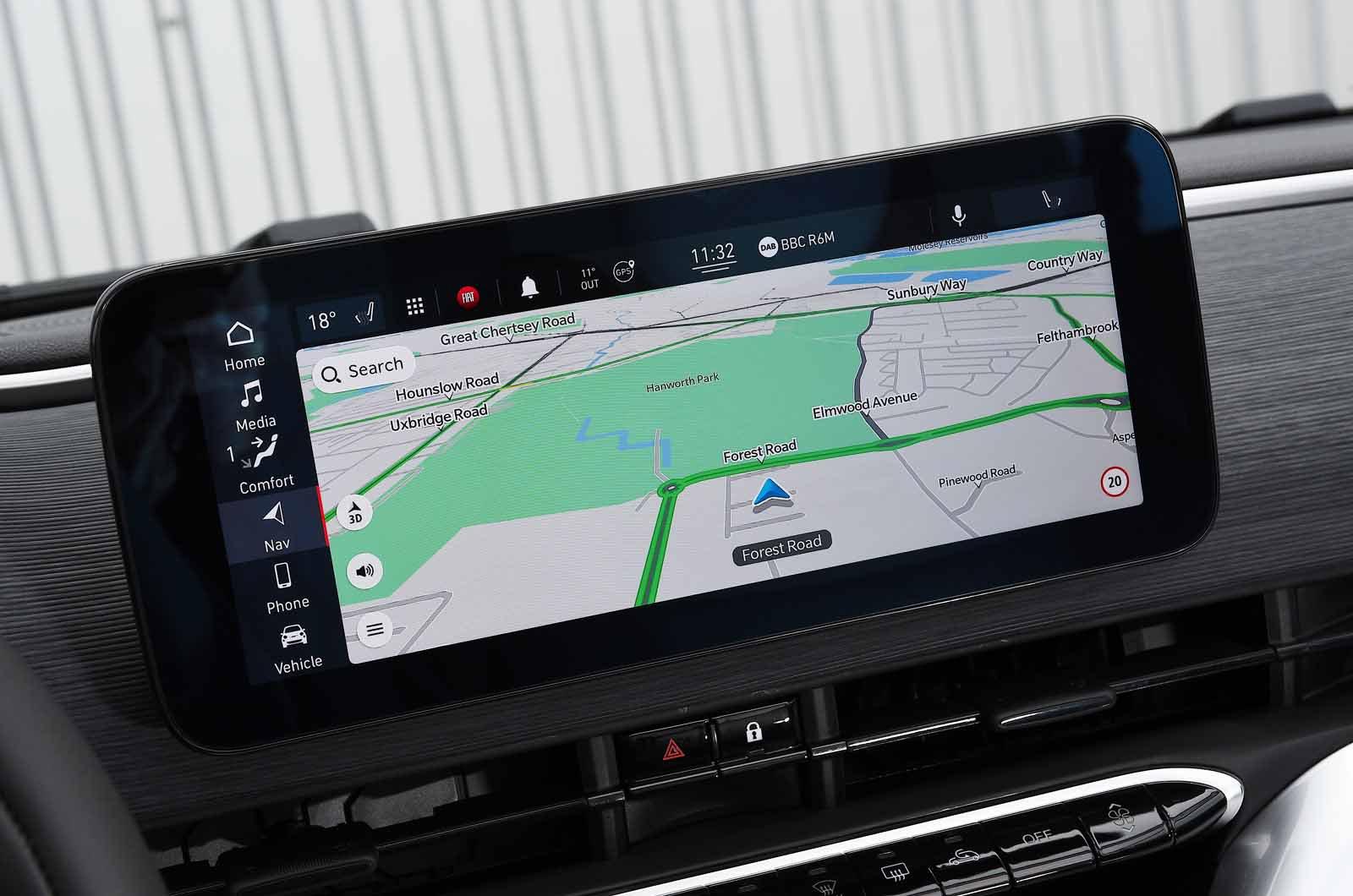 Fiat 500 electric 2021 touchscreen