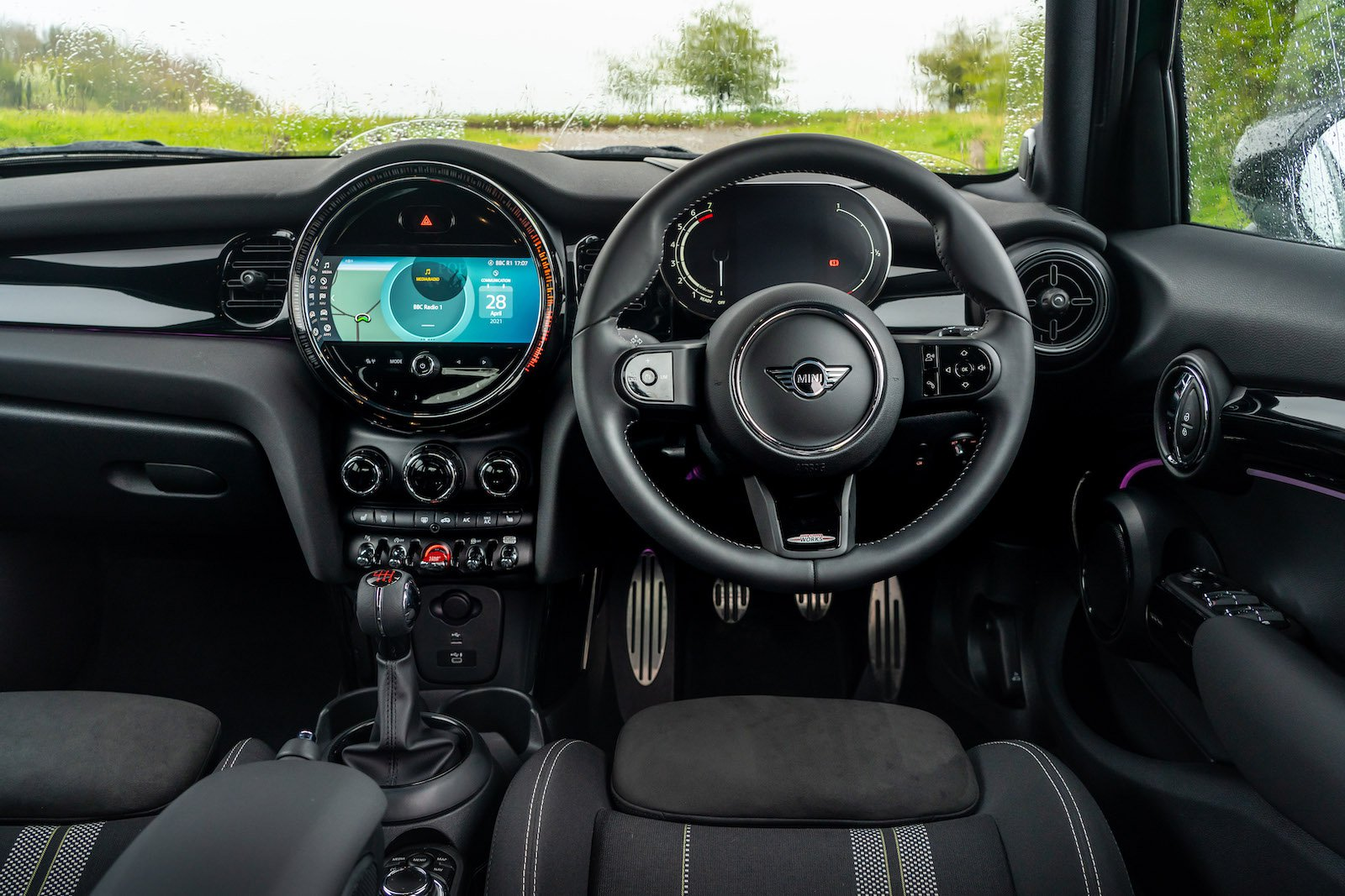 Mini 5-door hatchback 2021 interior dashboard
