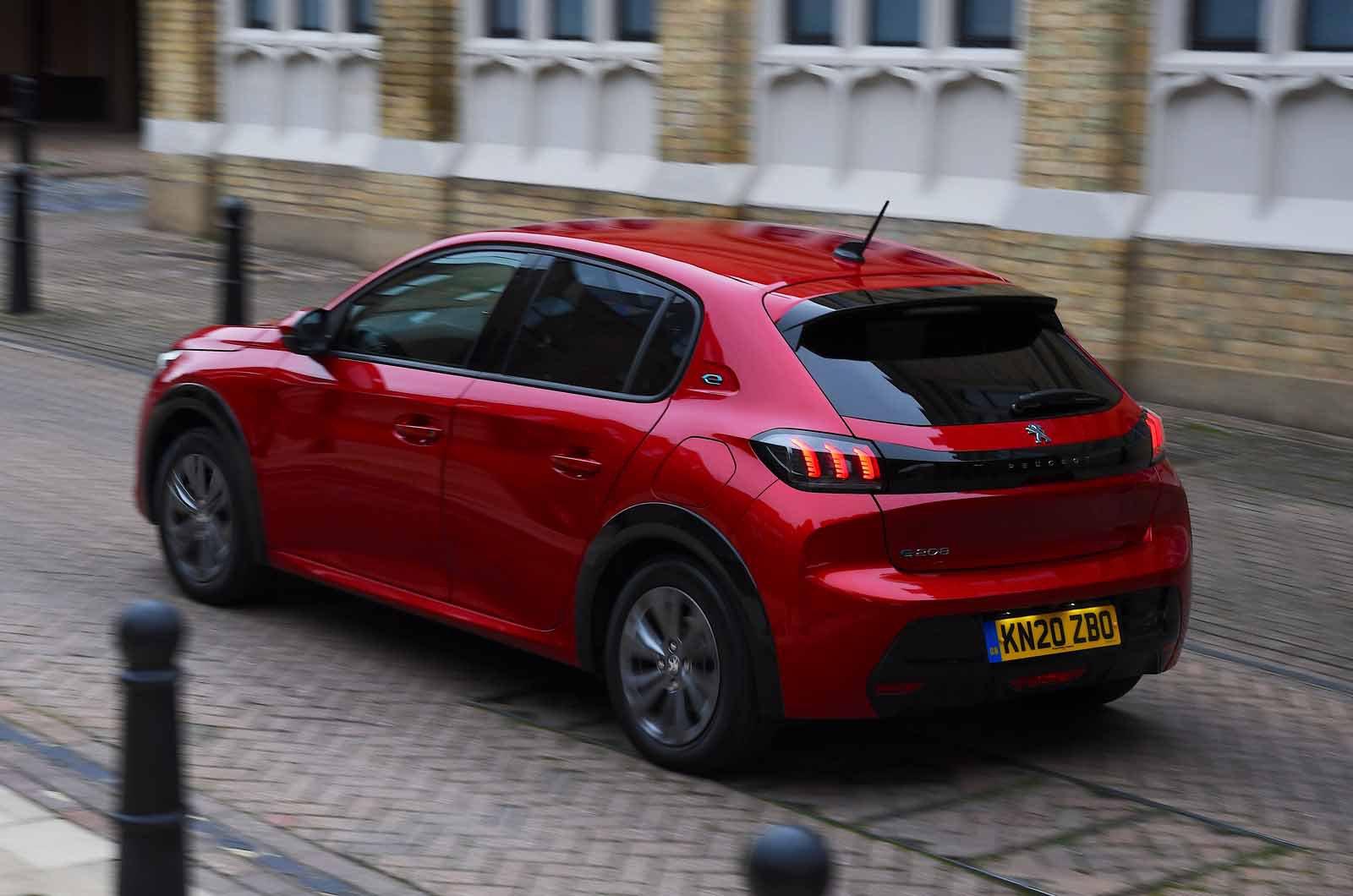 Peugeot e-208 2021 rear