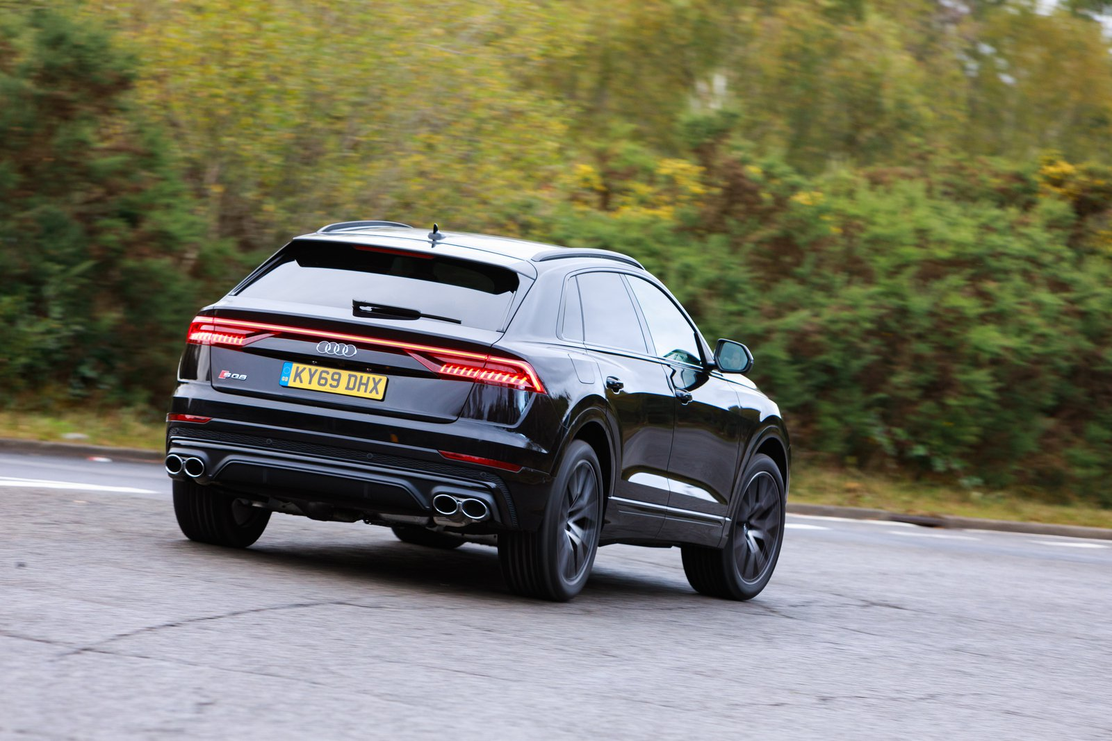 Audi SQ8 2021 rear cornering