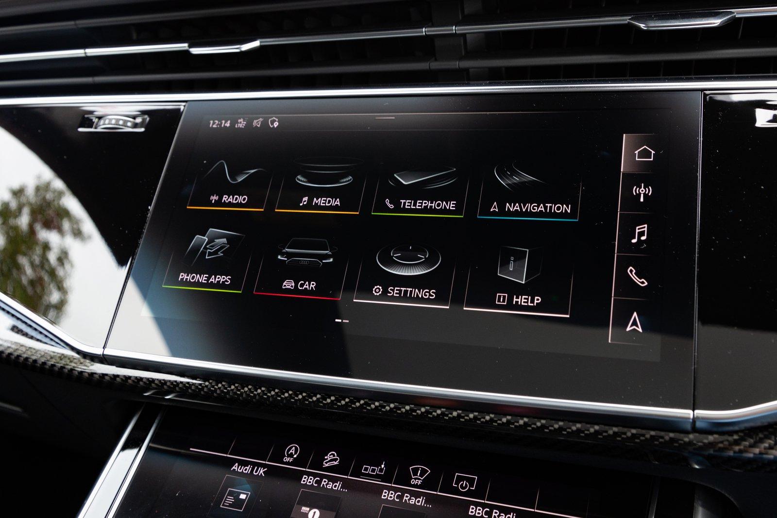 Audi SQ8 2021 interior infotainment