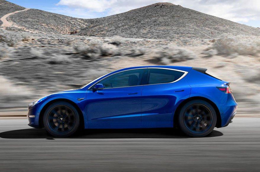 Tesla hatchback side rendering
