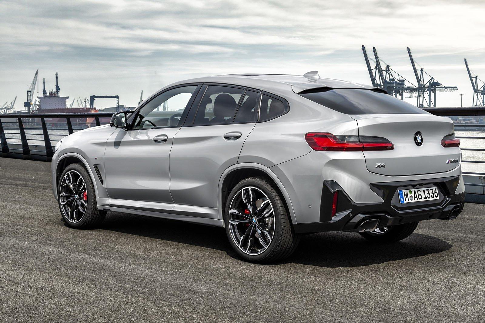 2021 BMW X4 rear exterior