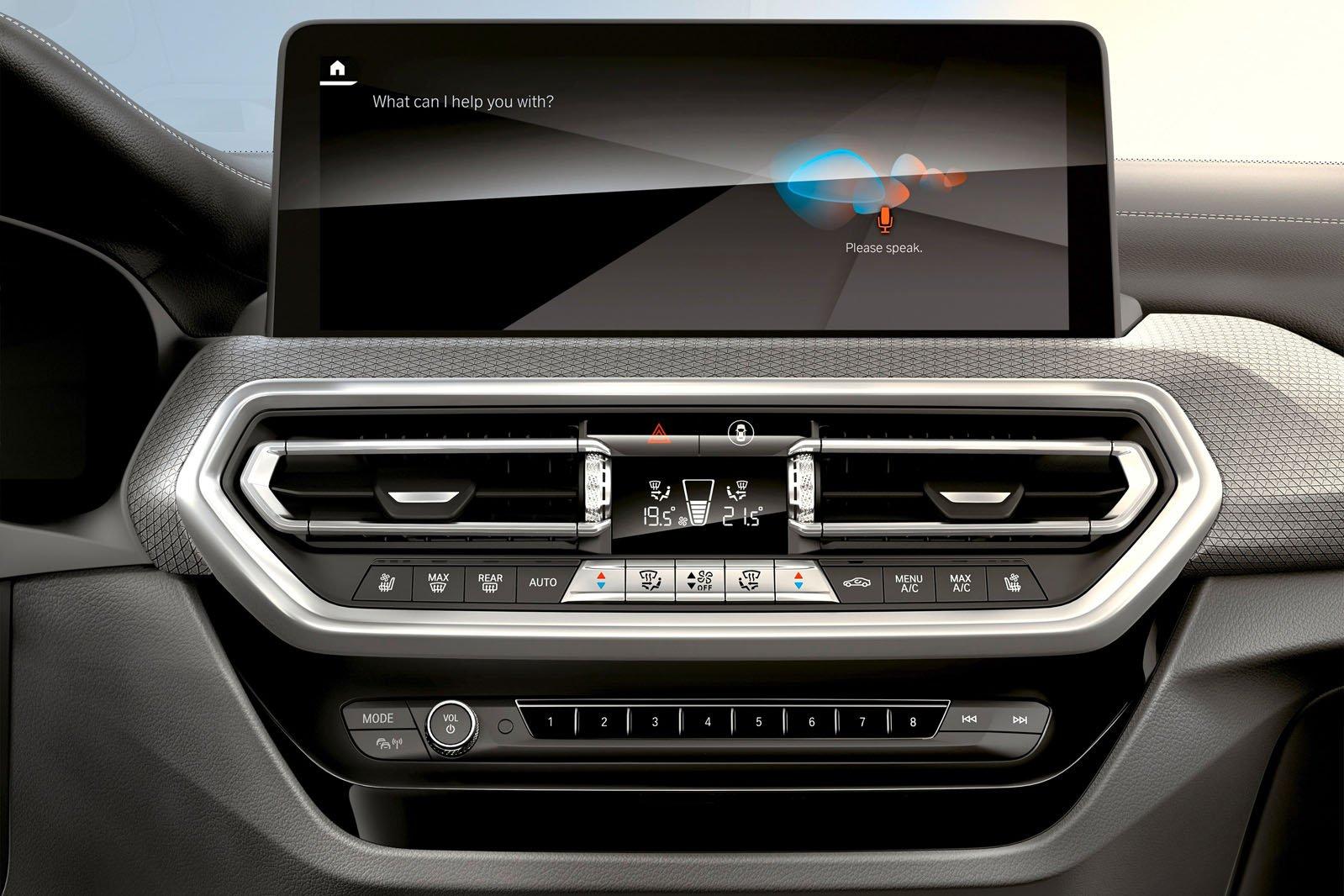 2021 BMW X4 interior detail
